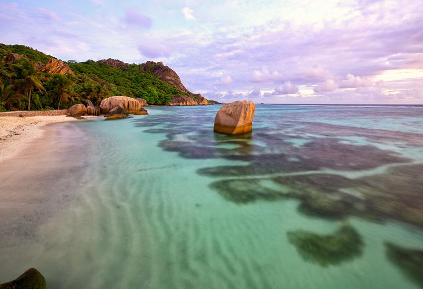 Excursions to La Digue Seychelles
